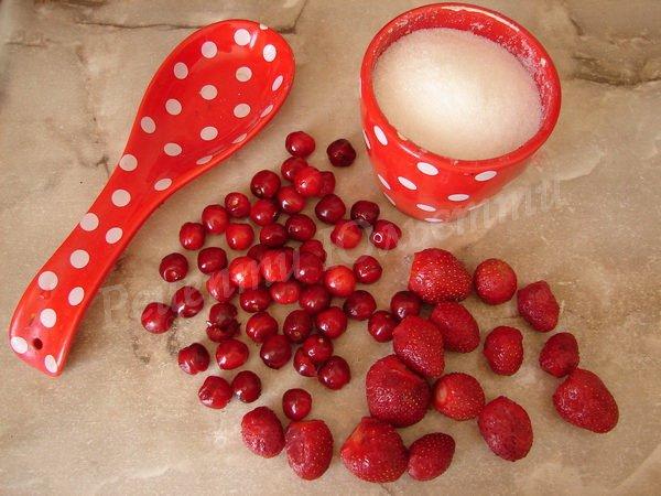 очищуємо ягоди
