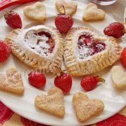 смачні пиріжки з ягодами