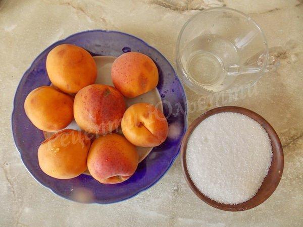 інгредієнти для абрикосового варення