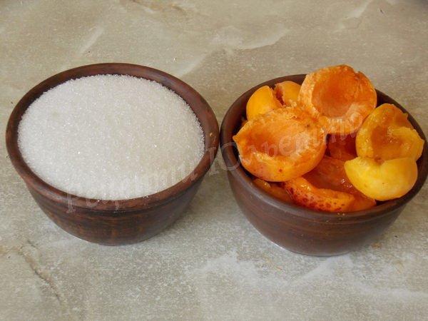 відмірюємо фрукти та цукор однаковими ємностями