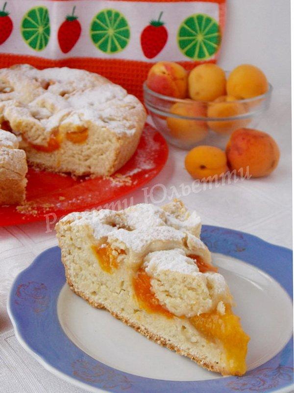 простий абрикосовий пиріг