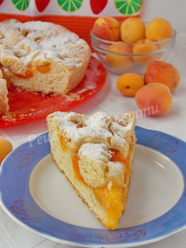 смачний пиріг з абрикосами