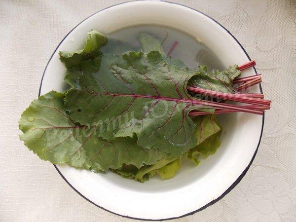 рецепт борщу з буряковим листям