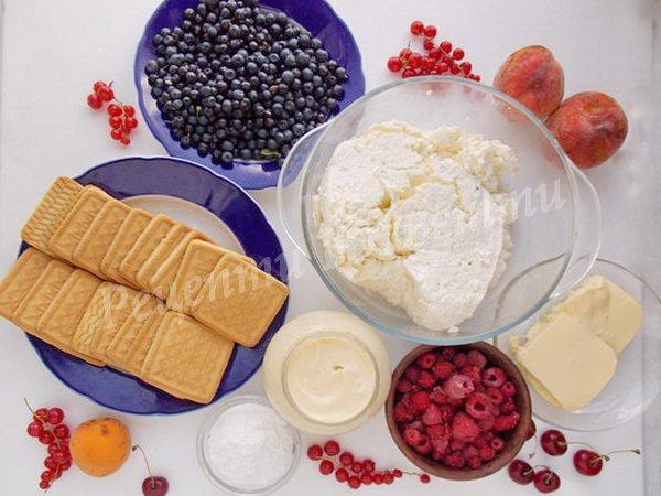 інгредієнти для сирного чізкейка з ягодами