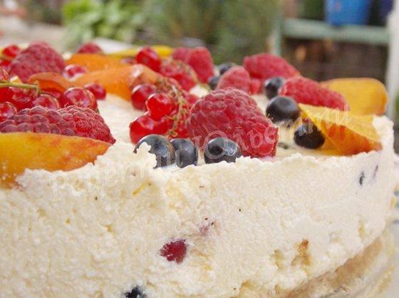 сирний чізкейк з ягодами