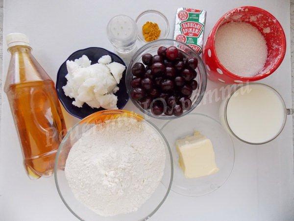 інгредієнти для пиріжків з вишнями