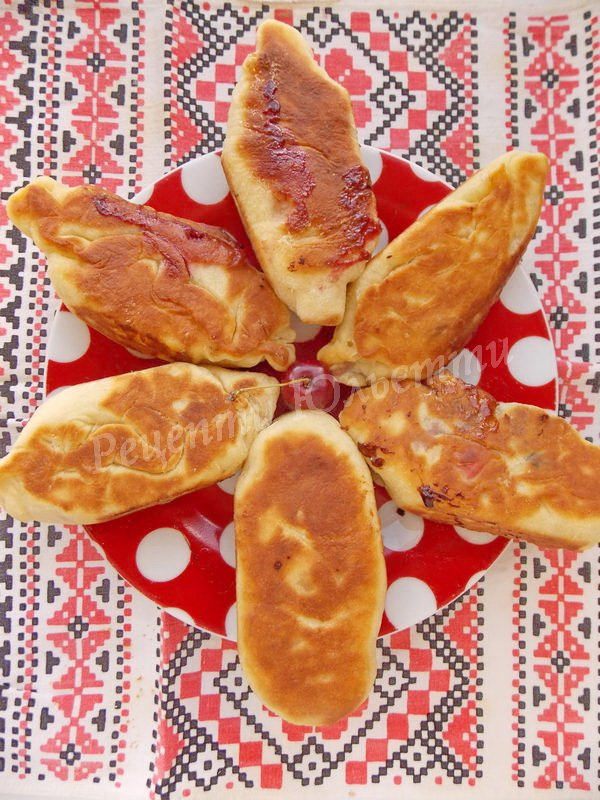 смажені пиріжки на кефірі