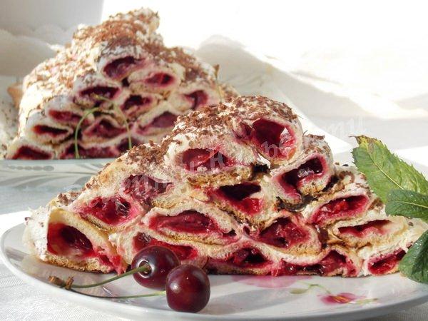 торт Карпати з вишневих трубочок