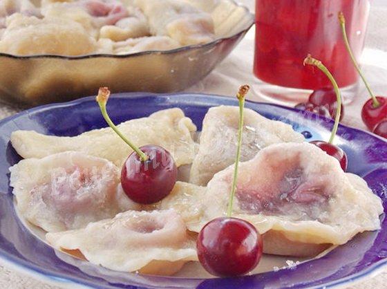вареники з вишнею