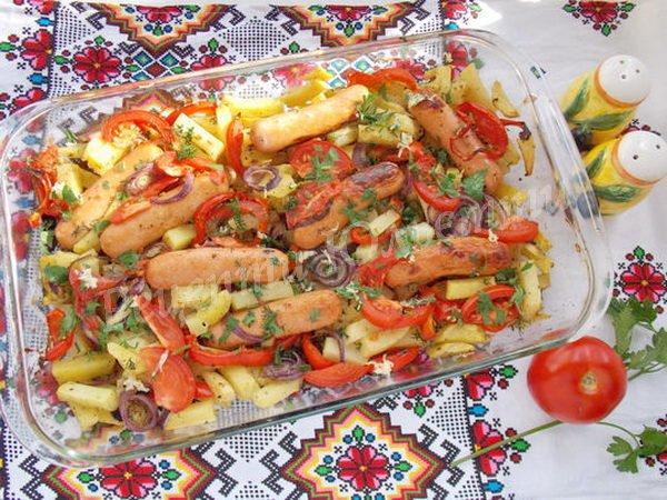 запечена картопля з овочами