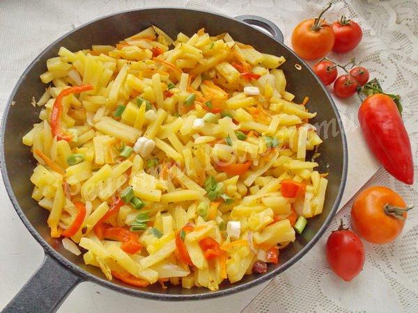 смажена картопля з овочами