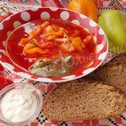 червоний борщ із болгарським перцем
