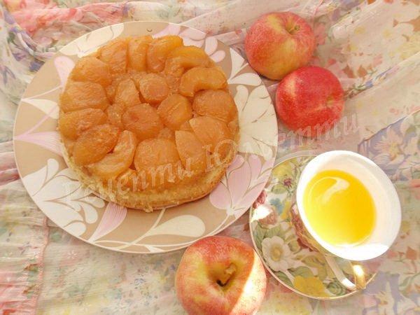 бурштиновий пиріг із яблуками