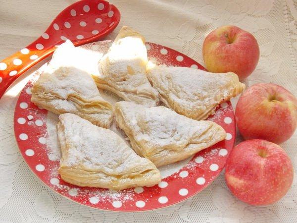 листкова випічка з яблуками
