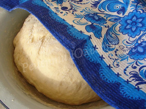 дріжджове тісто для штоллена