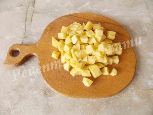 ріжемо картоплю