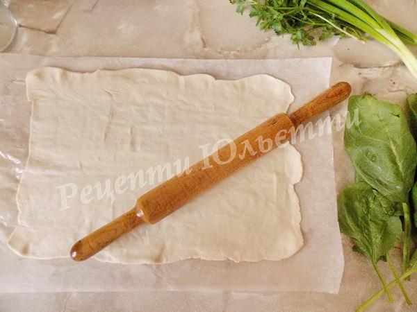 розкачуємо листкове тісто