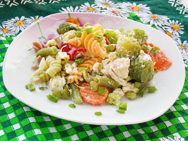 макарони із замороженими овочами