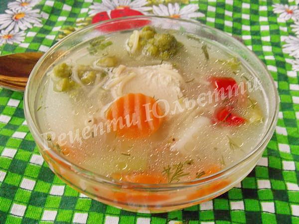 суп із замороженими овочами