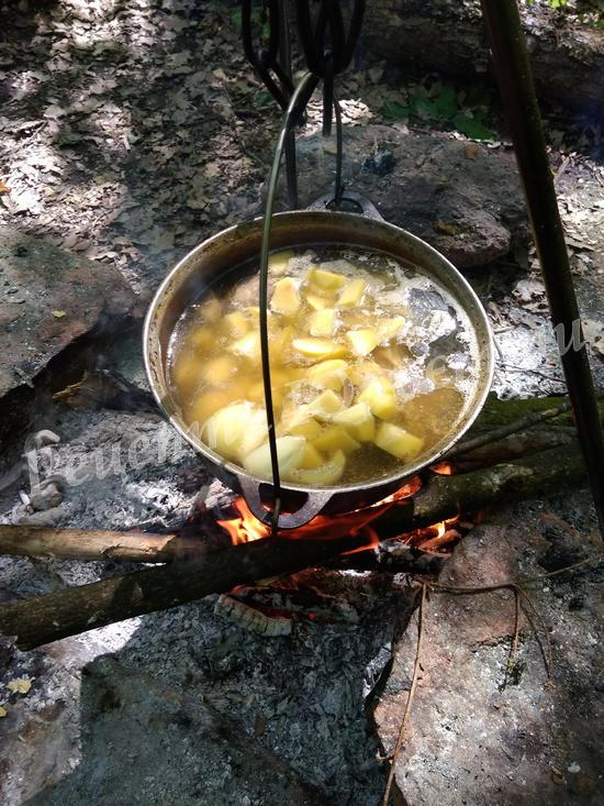 додаємо картоплю