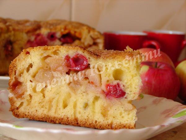яблучний пиріг на кефірі без масла