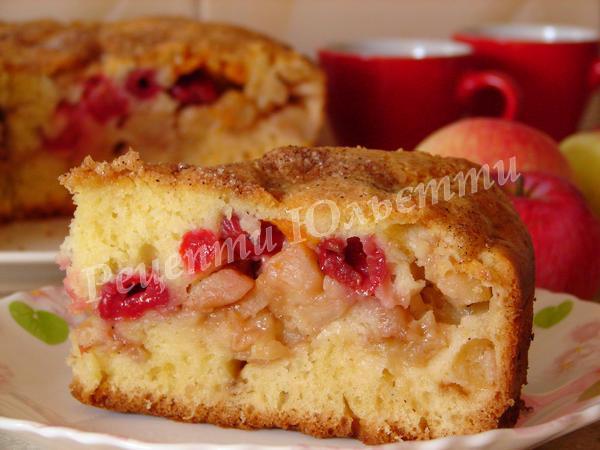 чудовий пиріг з яблуками на кефірі