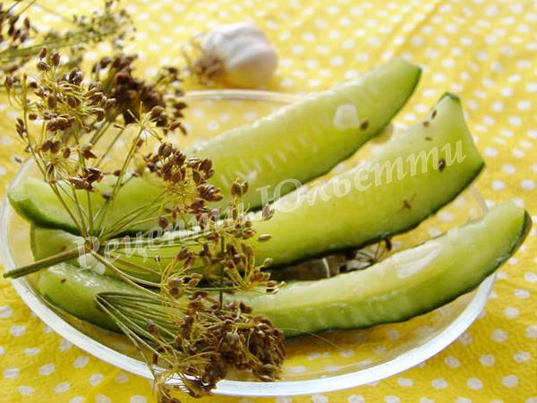 малосольні огірки за 15 хв