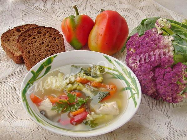 овочевий суп з броколі та цвітною капустою