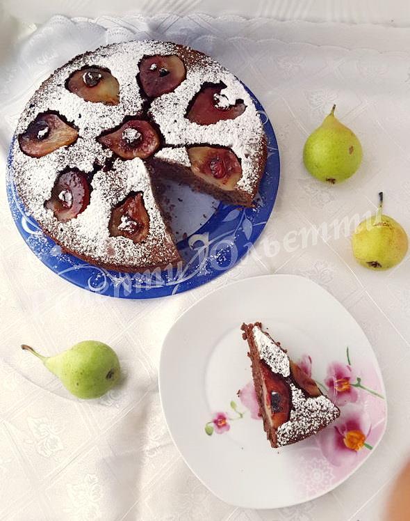 грушевий пиріг з шоколадом