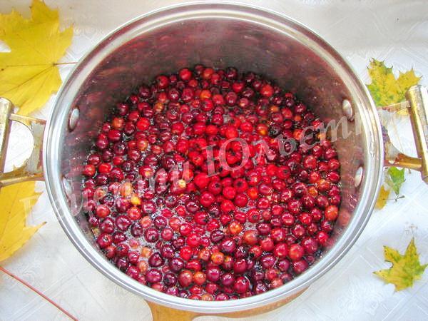 додаємо ягоди до сиропу