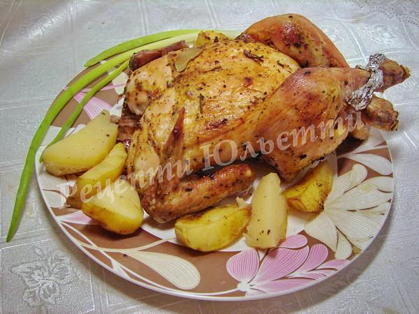 курка запечена в духовці з картоплею