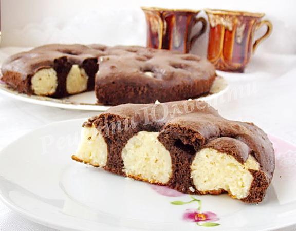 шоколадний пиріг з сирними кульками