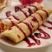 млинці з ягодами та білим шоколадом