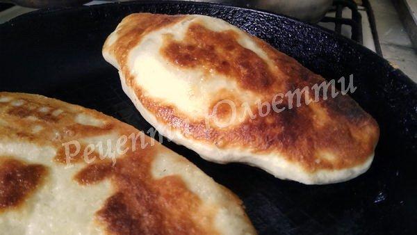 смажимо пиріжки з картоплею на пательні