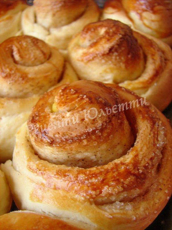 смачні булочки з корицею